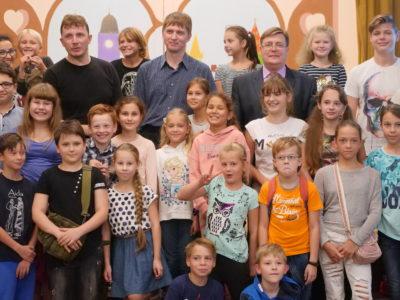 театр в школу, спектакль про космос, спектакль для детей, спекталь для школьников